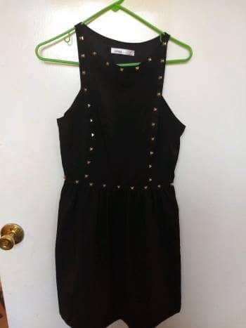 Vestido negro con estoperoles