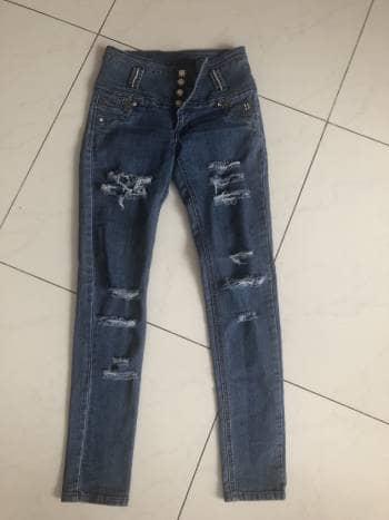 Pantalón mezclilla denim ITZEL jeans aplicaciones