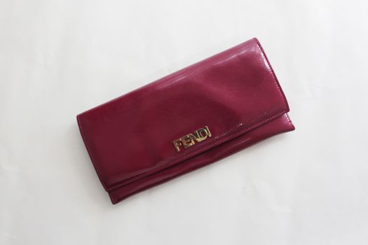 Cartera Fendi color vino