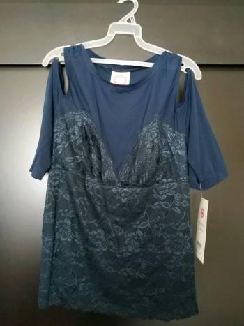 Blusa de encaje nueva!! talla XL