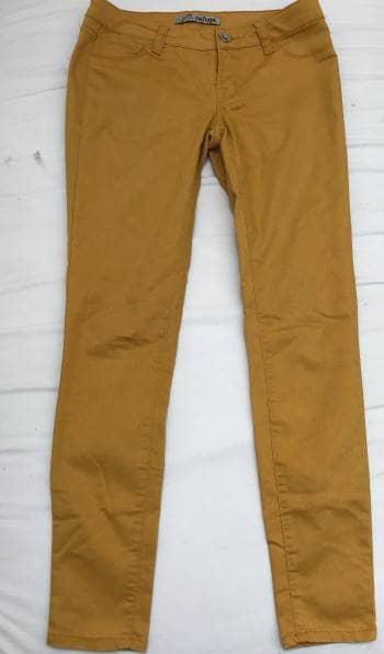 Jeans amarillos charlotte russe jeans refuge