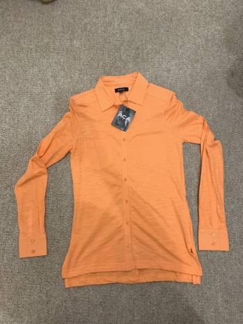 Camisa naranja super linda