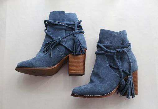 Botas color azul