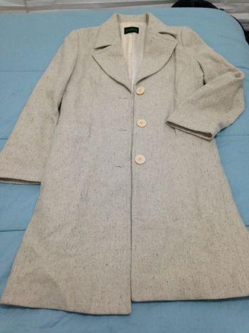 Abrigo largo color beige