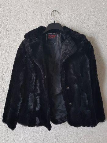 Abrigo negro afelpado