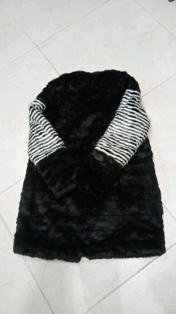 Abrigo de pelo imitación piel