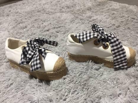 Zapatos blancos plataforma alpargatas