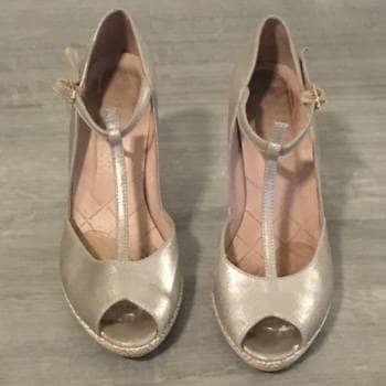 Zapatos de fiesta plateados - Talla 7.5 americano