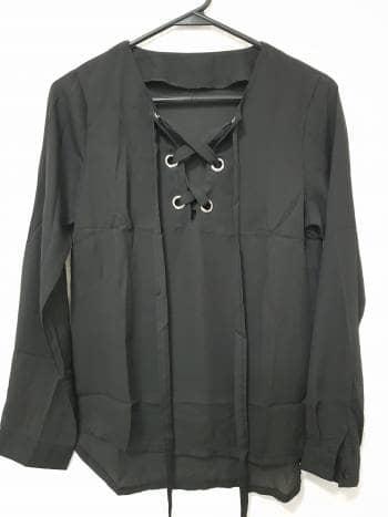 Camisa negra con jareta