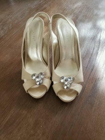 Zapatilla para novia Westies de tela con cristales