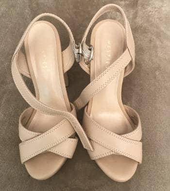 Sandalias nude altas