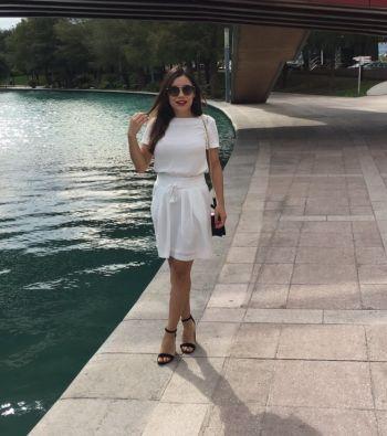 Falda blanca midi