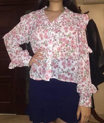 Blusa floreada rosa