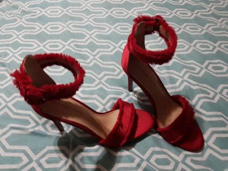 Zapatillas de tiras tojas