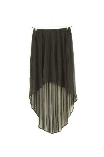 Falda asimétrica de pliegues en color negro.