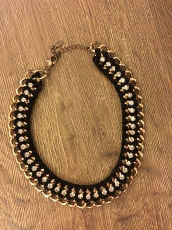 c965295cf927 Collar negro con dorado - GoTrendier - 415976