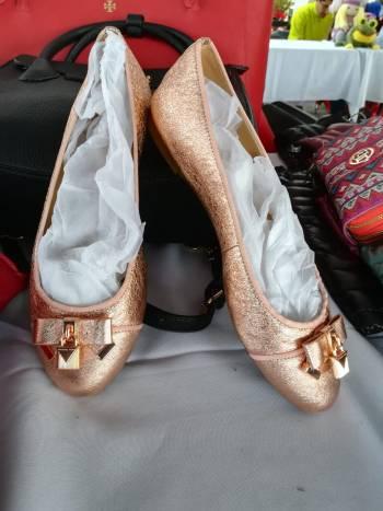 Balerinas coral brillosas Michael Kors