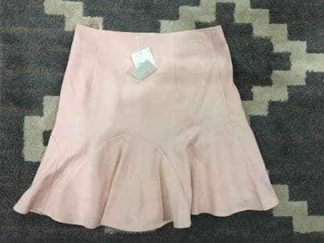 b070b6b81 Falda de olanes rosa palo - GoTrendier - 1382007