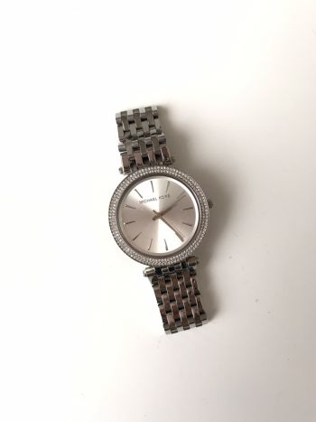 Reloj Michel Kors plateado con brillantes ¡NUEVO!