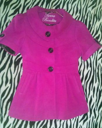 Abrigo color rosa fucsia