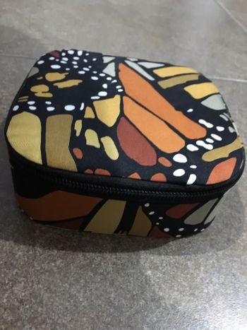 Alhajero de viaje Pineda Covalin mariposa monarca