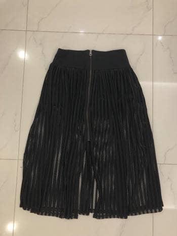f8bdb2777 Falda negra Zara - GoTrendier - 738948
