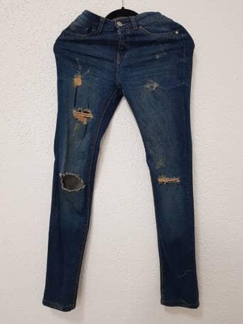 Pantalones mezclilla rotos