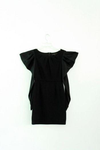 Vestido en color negro.