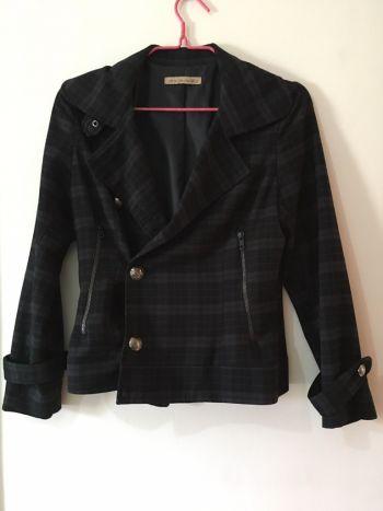 Abrigo cuadros gris con negro