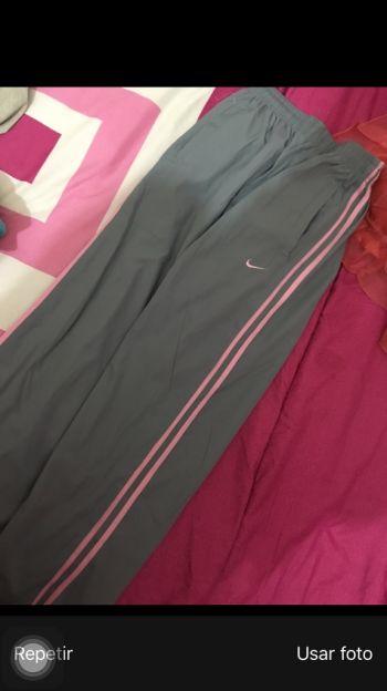 Pants Nike Gris con Rosa