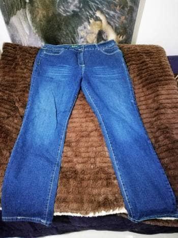 Jean corte recto talla 40 mx