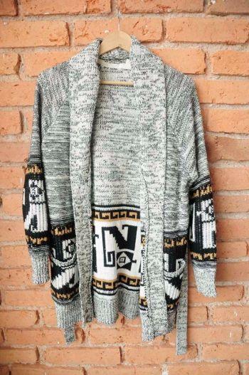 Suéter tejido tipo tribal