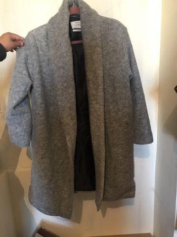 Abrigo gris bershka