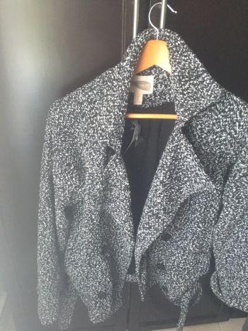 Abrigo gris con negro, nuevo marca forever 21